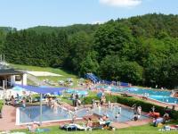 Waldschwimmbad Oberscheld | Sport, Spiel und Spa im ...