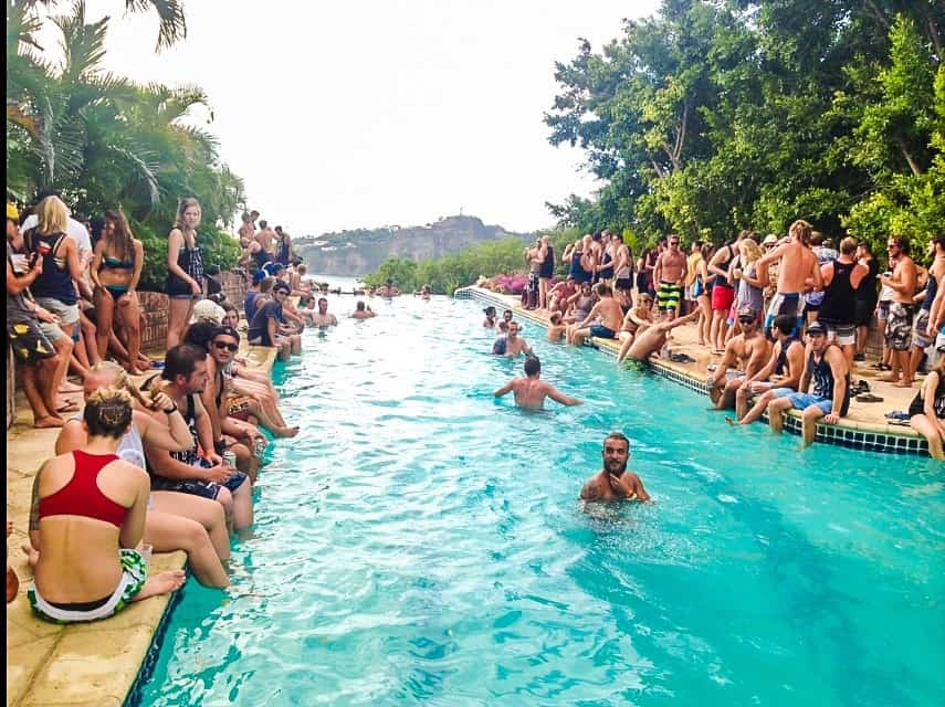 Top 5 Traveler Parties in Central America