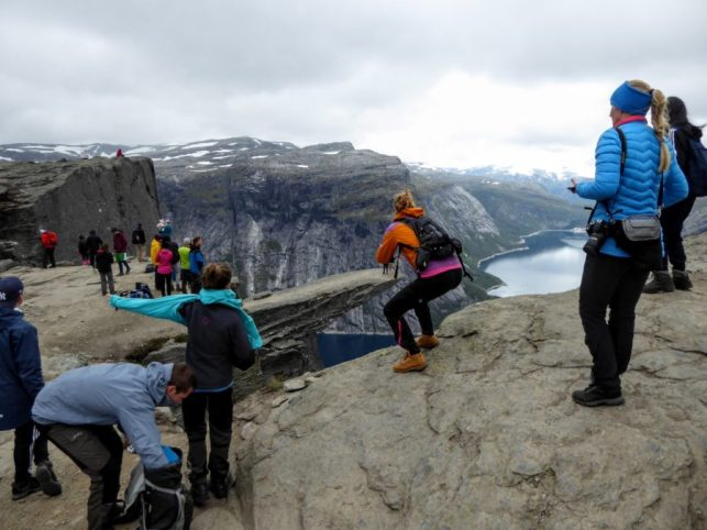 Crowds Trolltunga Norway