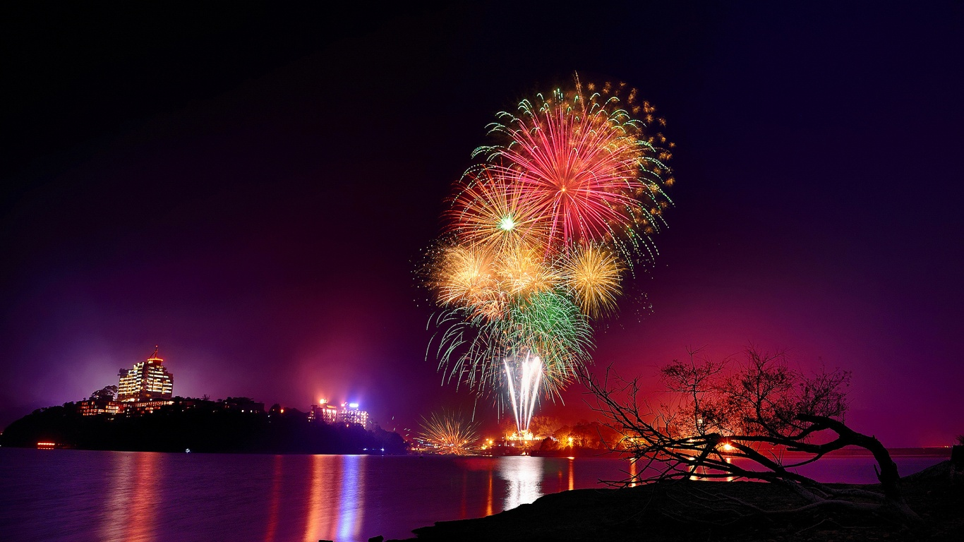 Cool N Cute Wallpapers For Mobile Fireworks Wallpaper Desktop Hd 8896 Wallpaper Walldiskpaper