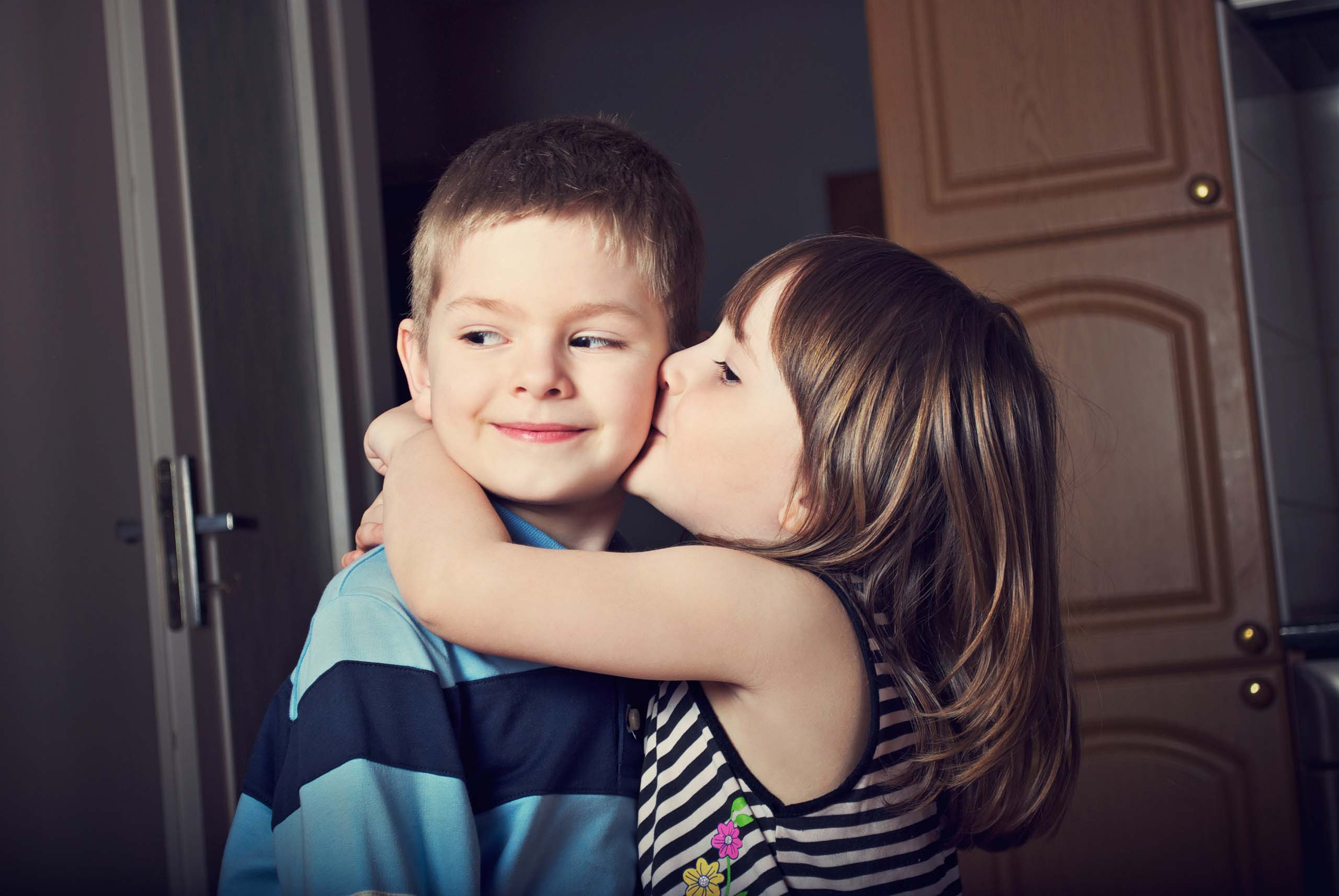 Sweet Girl And Boy Hd Wallpaper Boy Girl Kiss Wallpapers Group 55