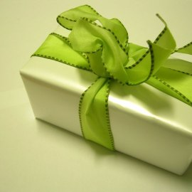 Christmas Gift – Green Wallpaper