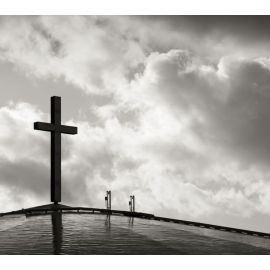 Cross in black and white Wallpaper