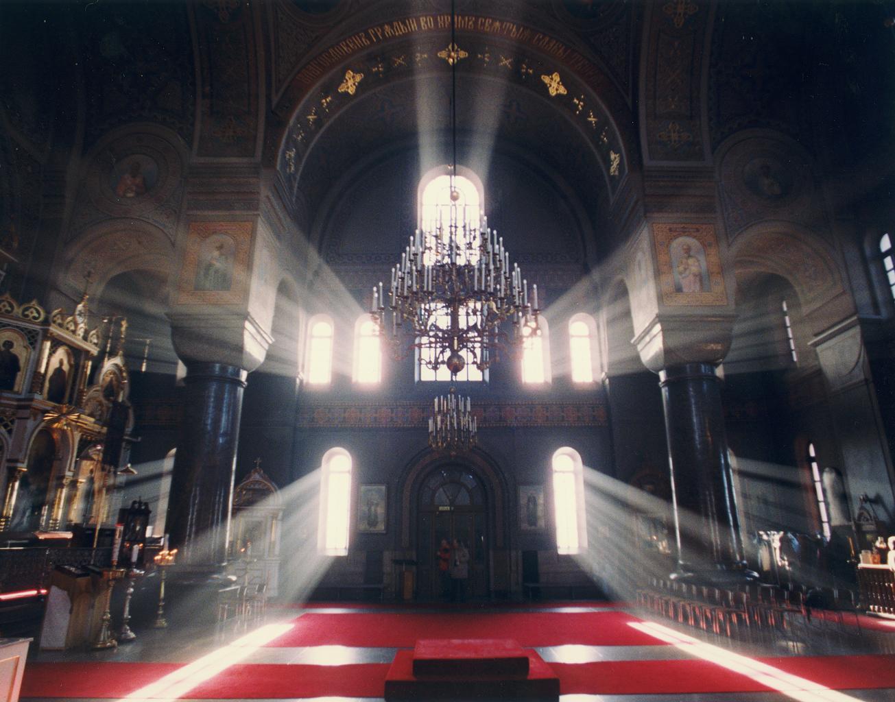 Knights Templar Wallpaper Iphone Light In Church Wallpaper Christian Wallpapers And