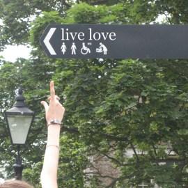 Live Love Sign Wallpaper