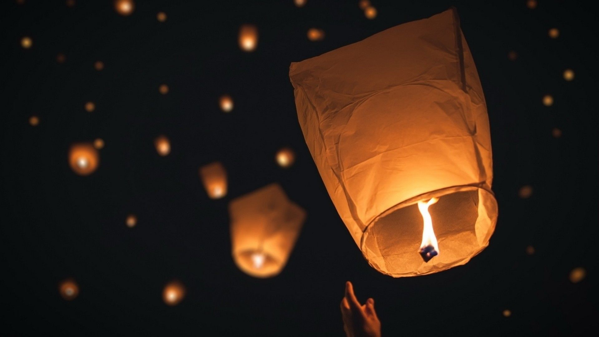 Sky Lanterns Wallpaper Iphone Sky Lantern Wallpapers Top Free Sky Lantern Backgrounds