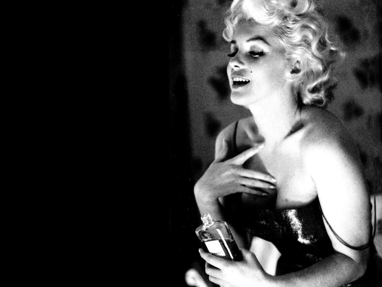 Marilyn Monroe Poster Marilyn Monroe Poster Full Wallpaper Celebrities Wallpaper Better