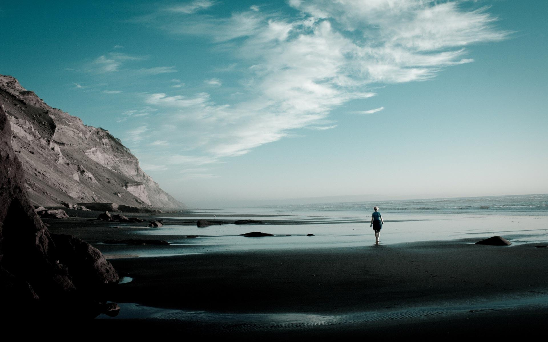 Lonely Girl Walking Wallpaper Loneliness Wallpapers Wallpaper Cave