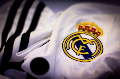 Real Madrid Logo Wallpapers - Wallpaper Cave