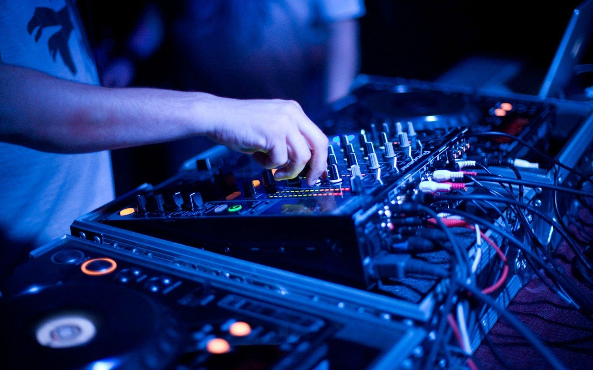 Mesa De Mezclas Dj Para Pc Dj Mixer Wallpapers Wallpaper Cave