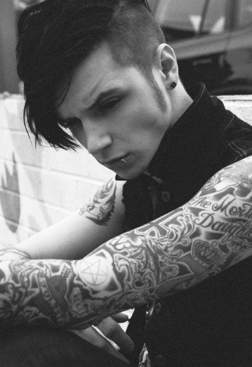 Wallpaper Of Boy And Girl On Bed Andy Biersack 2017 Wallpapers Wallpaper Cave