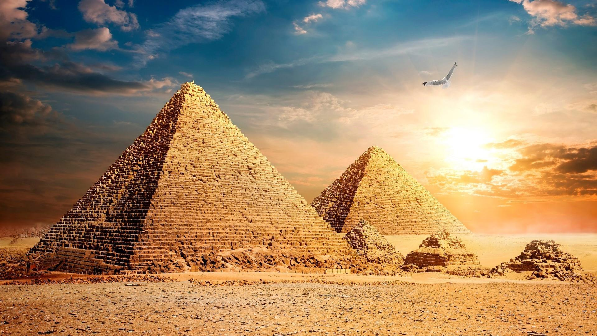 Egypt Pyramids Hd Wallpapers Wallpapers Pyramid Wallpaper Cave