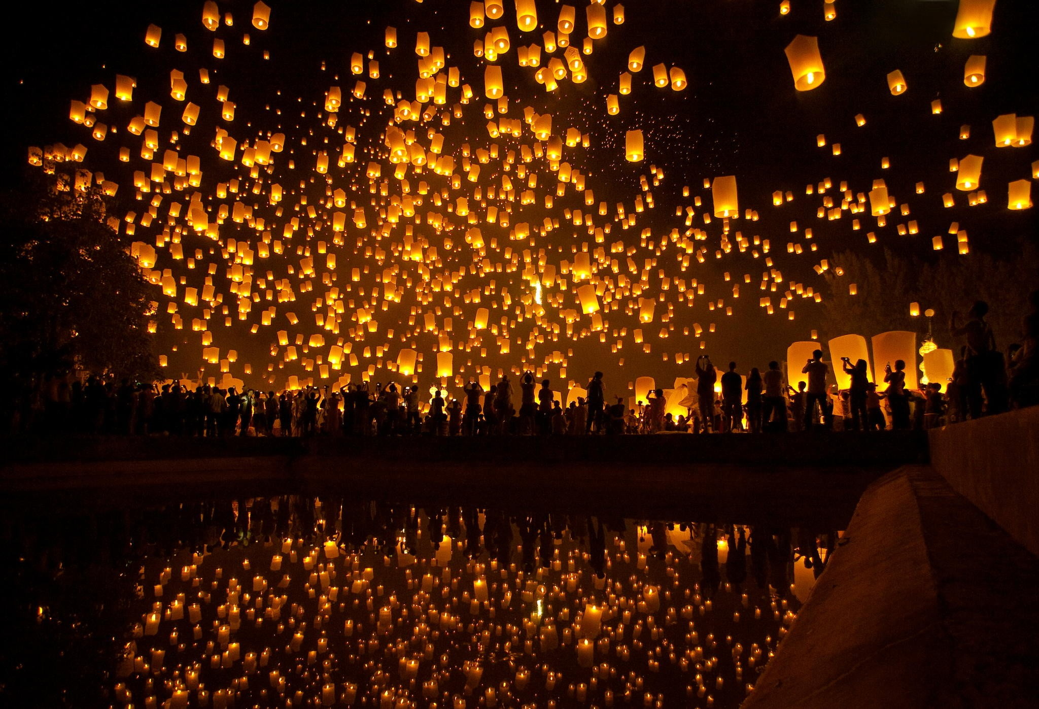 Silhouette Photo Of Sky Lanterns Hd Wallpaper Wallpaper Flare