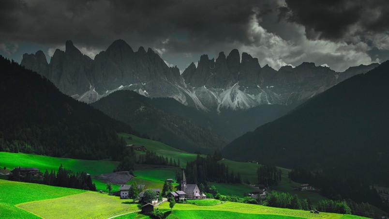320x480 Animated Wallpapers Funes Santa Maddalena Italy Hd Wallpaper Wallpaperfx