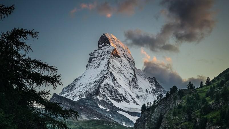 3d Animated Wallpaper For Laptop Free Download Amazing Mountain Peak Hd Wallpaper Wallpaperfx