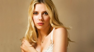 Young Scarlett Johansson HD Wallpaper - WallpaperFX