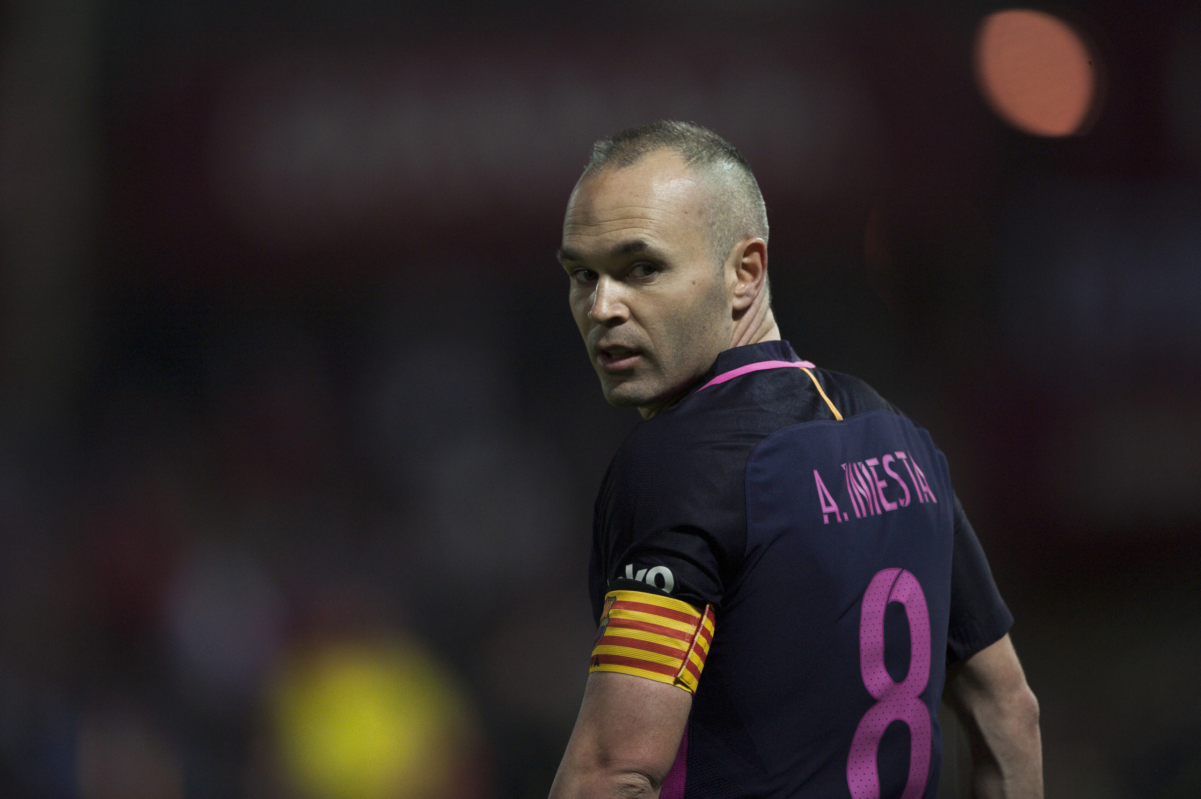 Lg Mobile 3d Wallpaper Andres Iniesta Pictures