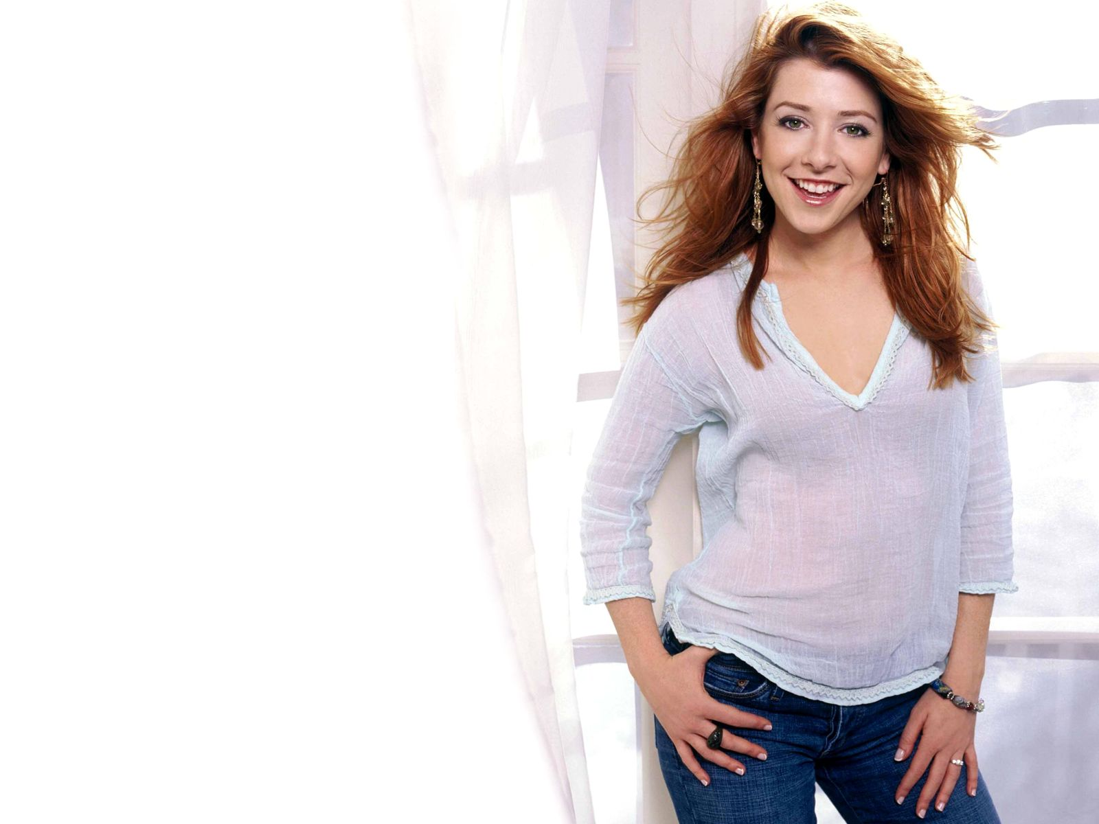 Cute Wallpaper With Quotes For Mobile Alyson Hannigan Hd Images