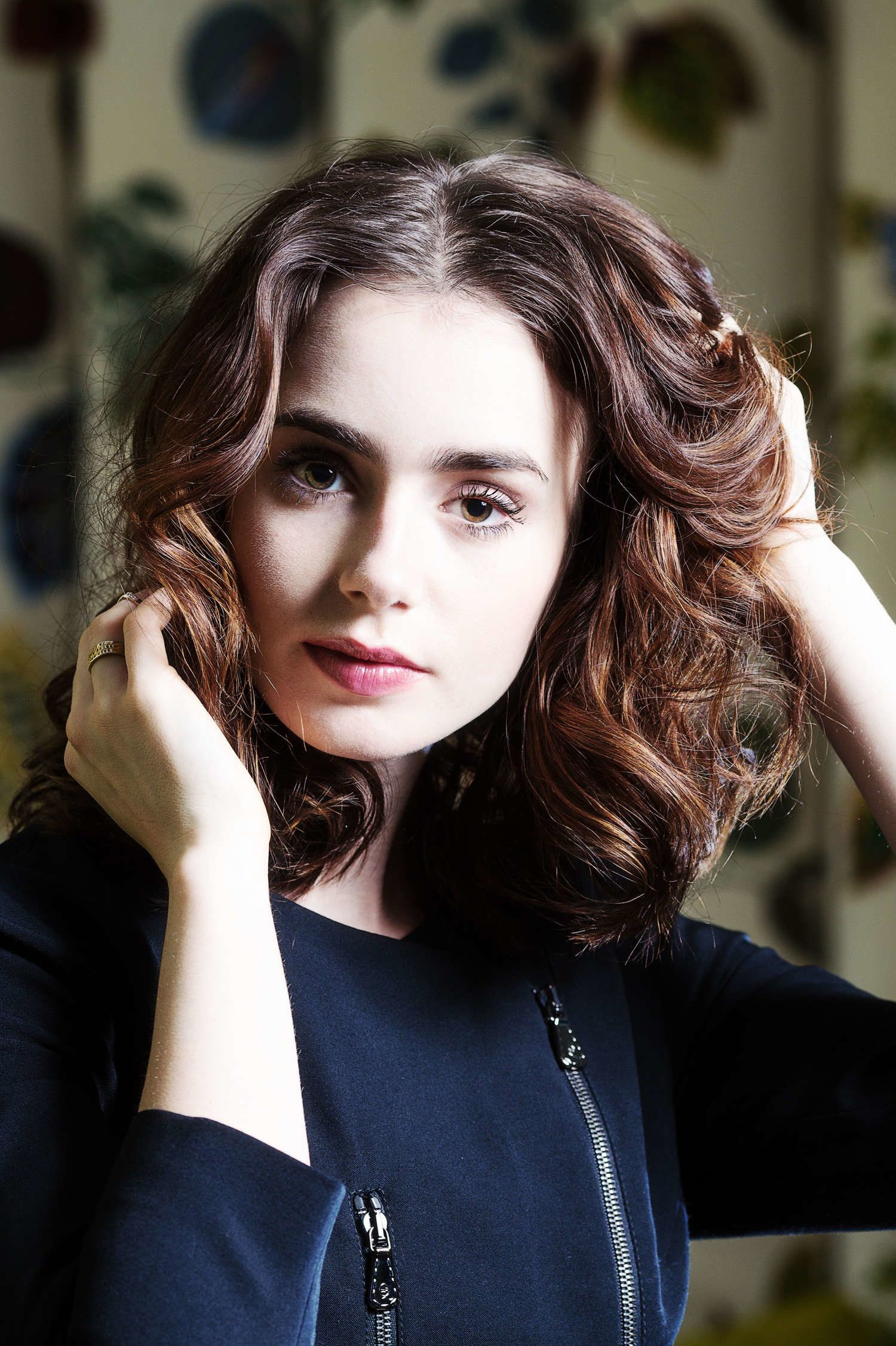 Nice And Cute Wallpaper Lily Collins Yo Dona Magazine Wallpapers