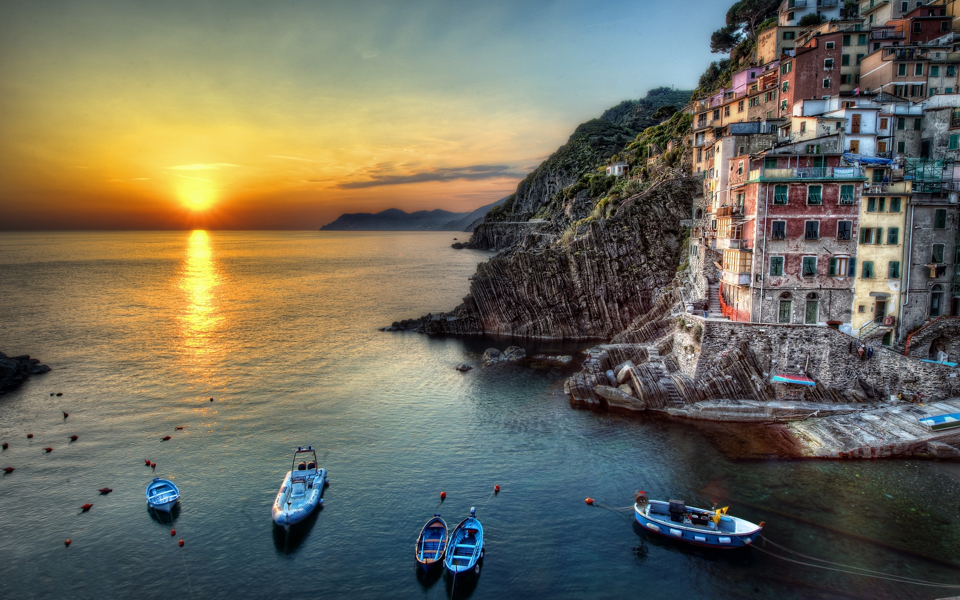 Wallpapers Of Italy Beautiful Sunset On Italy Beach Wallpaper Wallpaper Wallpaperlepi