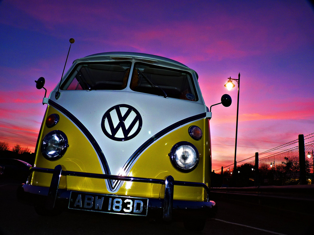 Vw Beetle Iphone Wallpaper Classic Bus Free Hd Wallpapers Page 0 Wallpaperlepi