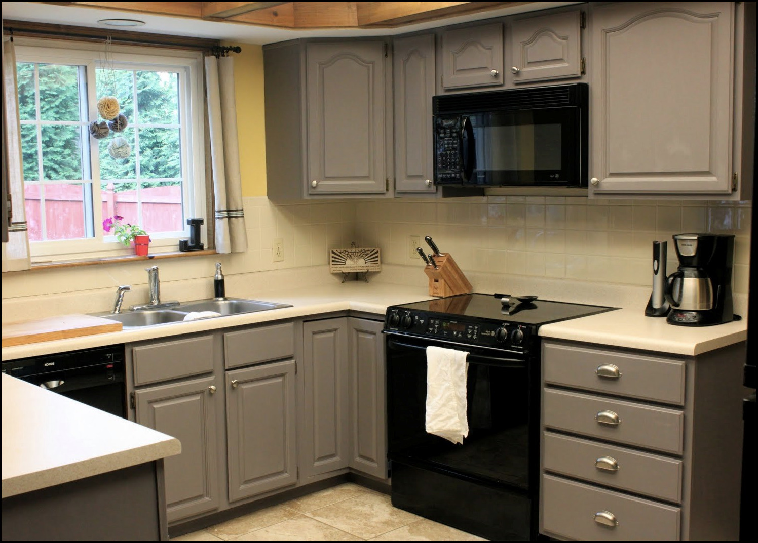 Kitchen Cabinet Spray Paint Spray Painting Kitchen Cabinets
