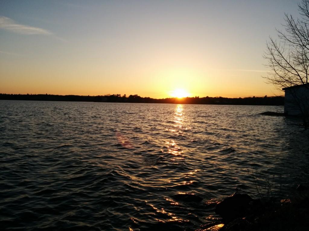 Home Screen Wallpaper Fall Sun Setting On Lake In Fall River Sunset