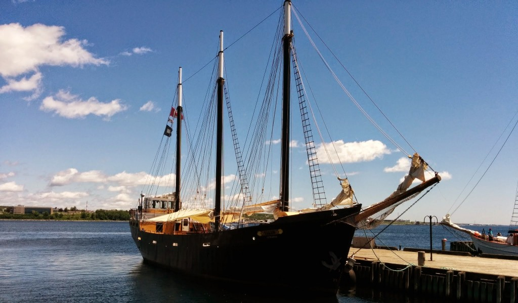 Free Desktop Wallpaper Niagara Falls Three Masted Sailing Ship At Port Boat