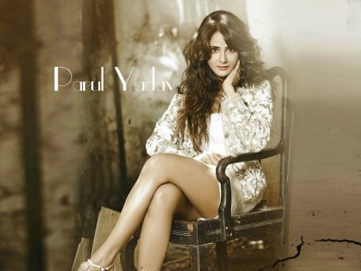 Parul Yadav HQ Wallpapers | Parul Yadav Wallpapers - 20950 - Filmibeat Wallpapers