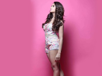 Parul Yadav HQ Wallpapers | Parul Yadav Wallpapers - 30621 - Filmibeat Wallpapers