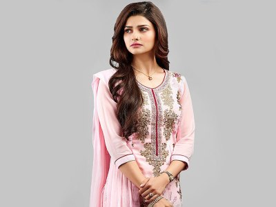 Prachi Desai HQ Wallpapers | Prachi Desai Wallpapers - 36808 - Filmibeat Wallpapers