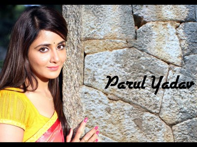 Parul Yadav HQ Wallpapers | Parul Yadav Wallpapers - 11459 - Filmibeat Wallpapers