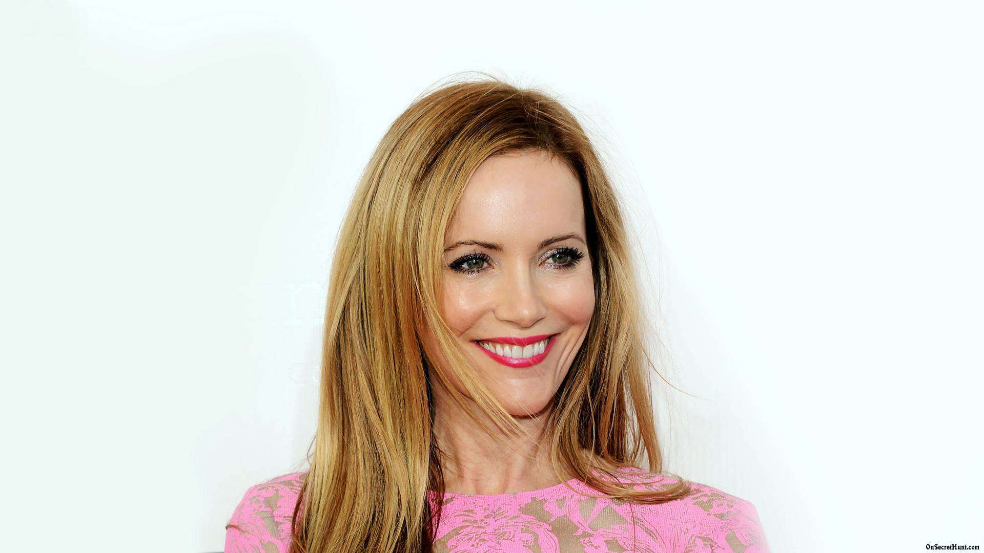 Beautiful Fall Pictures Wallpaper Leslie Mann Hd Wallpapers For Desktop Download