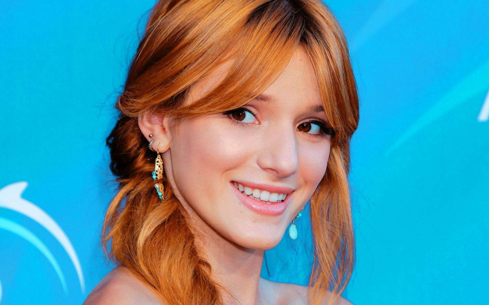 Disney Cars Wallpaper Free Download Bella Thorne Wallpapers Backgrounds