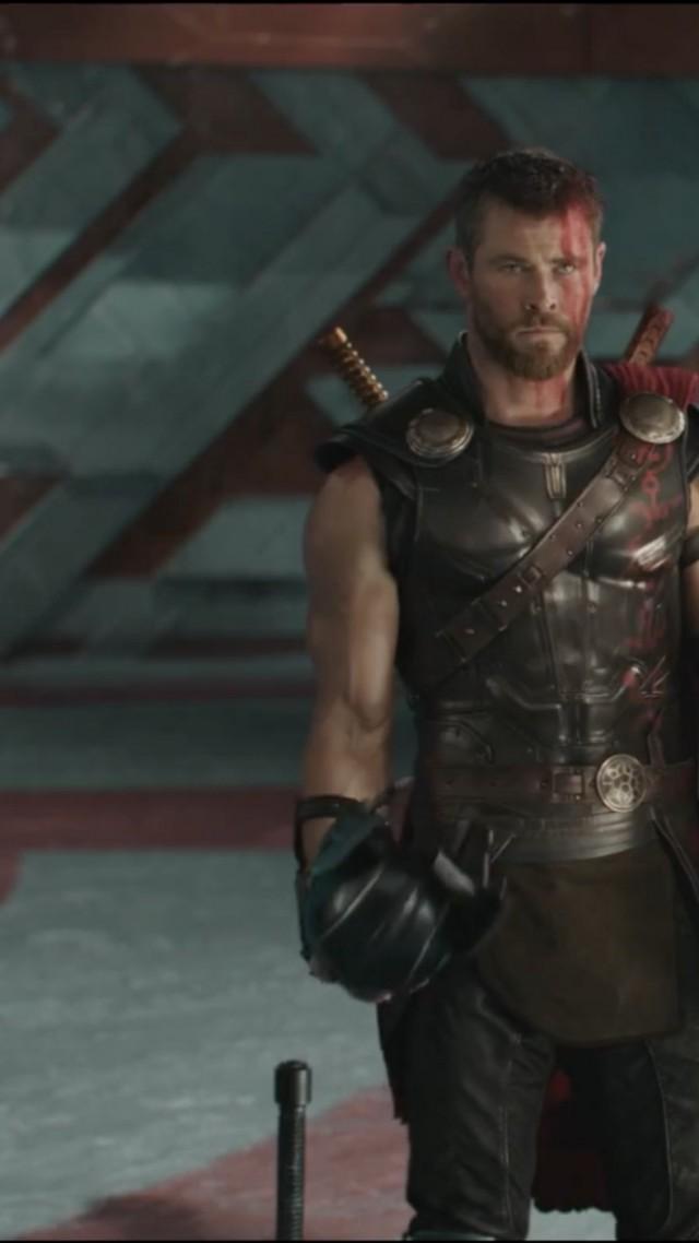 Rich Quotes Wallpaper Wallpaper Thor Ragnarok Thor Marvel Chris Hemsworth