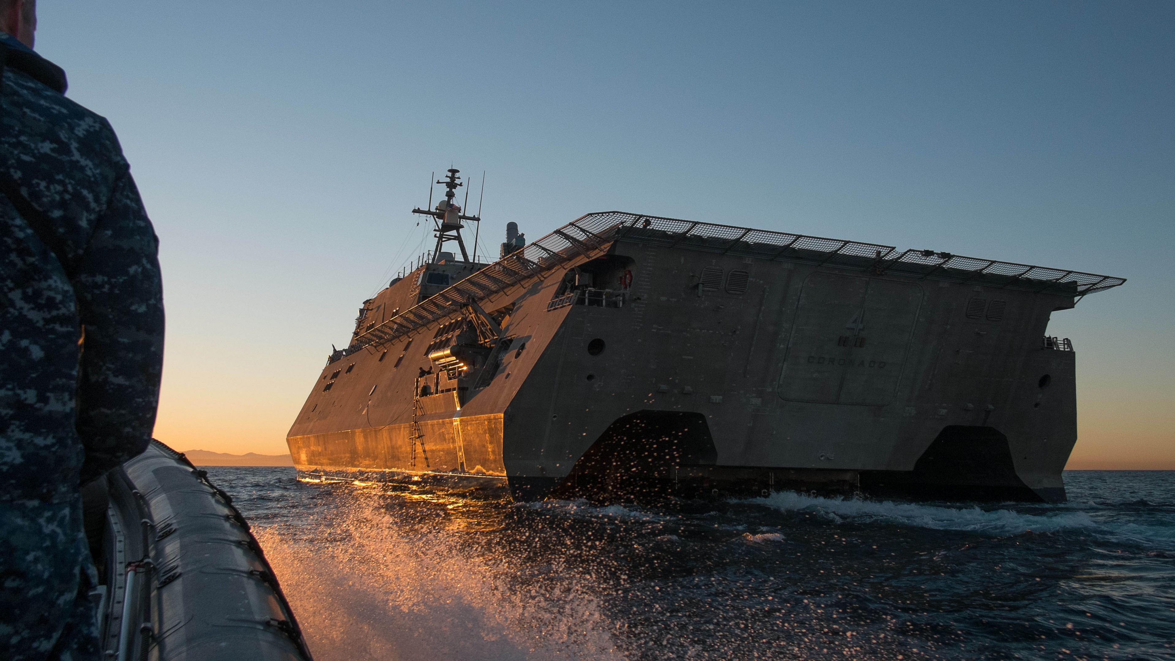Cool Cars Wallpaper With Girls Wallpaper Uss Coronado Lcs 4 Independence Class