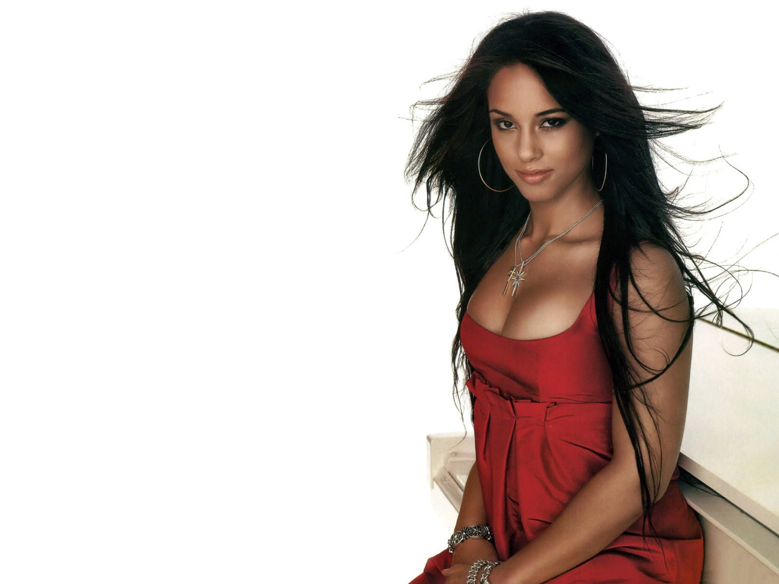 Cute Smile Wallpaper 31 Alicia Keys Wallpapers Hd Download