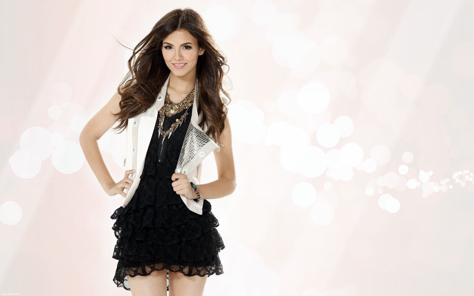 Cute Face Wallpaper For Iphone 35 Victoria Justice Wallpapers Hd Download