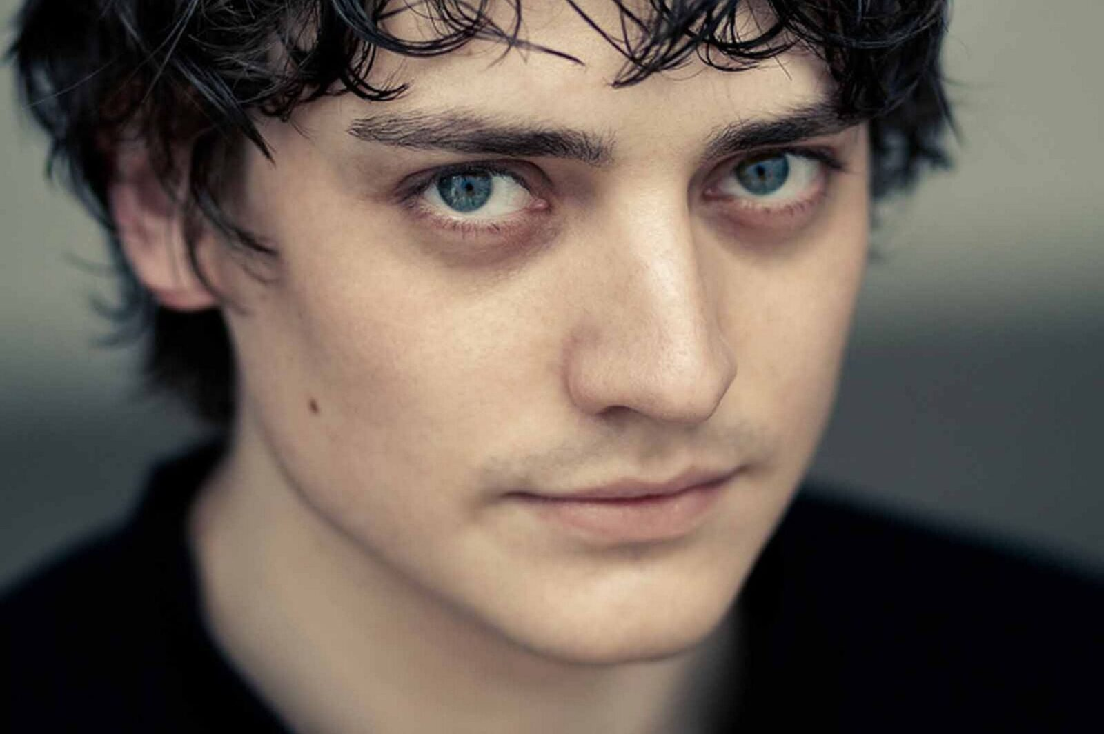 All Anime In One Wallpaper 10 Aneurin Barnard Hd Wallpapers Free Download