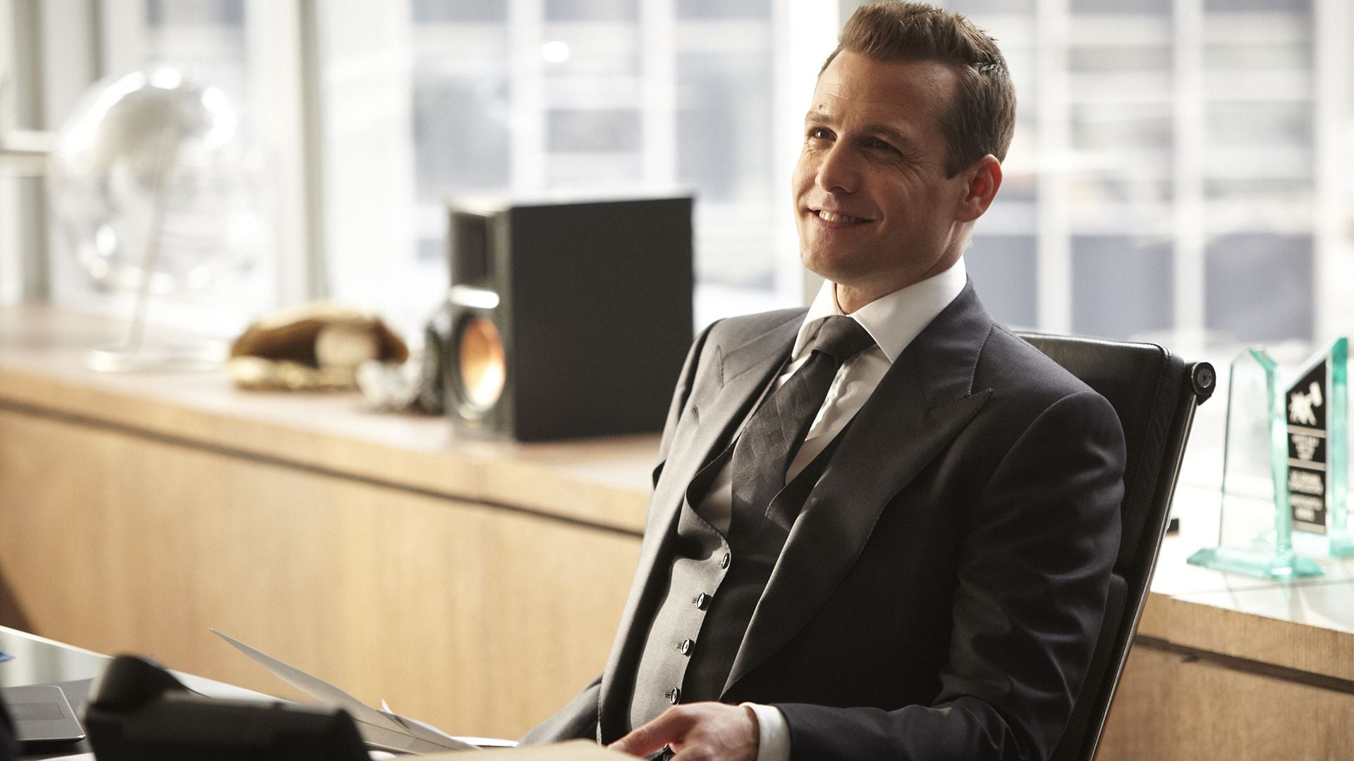 Animals In Suits Wallpaper Gabriel Macht Hd Wallpapers Download