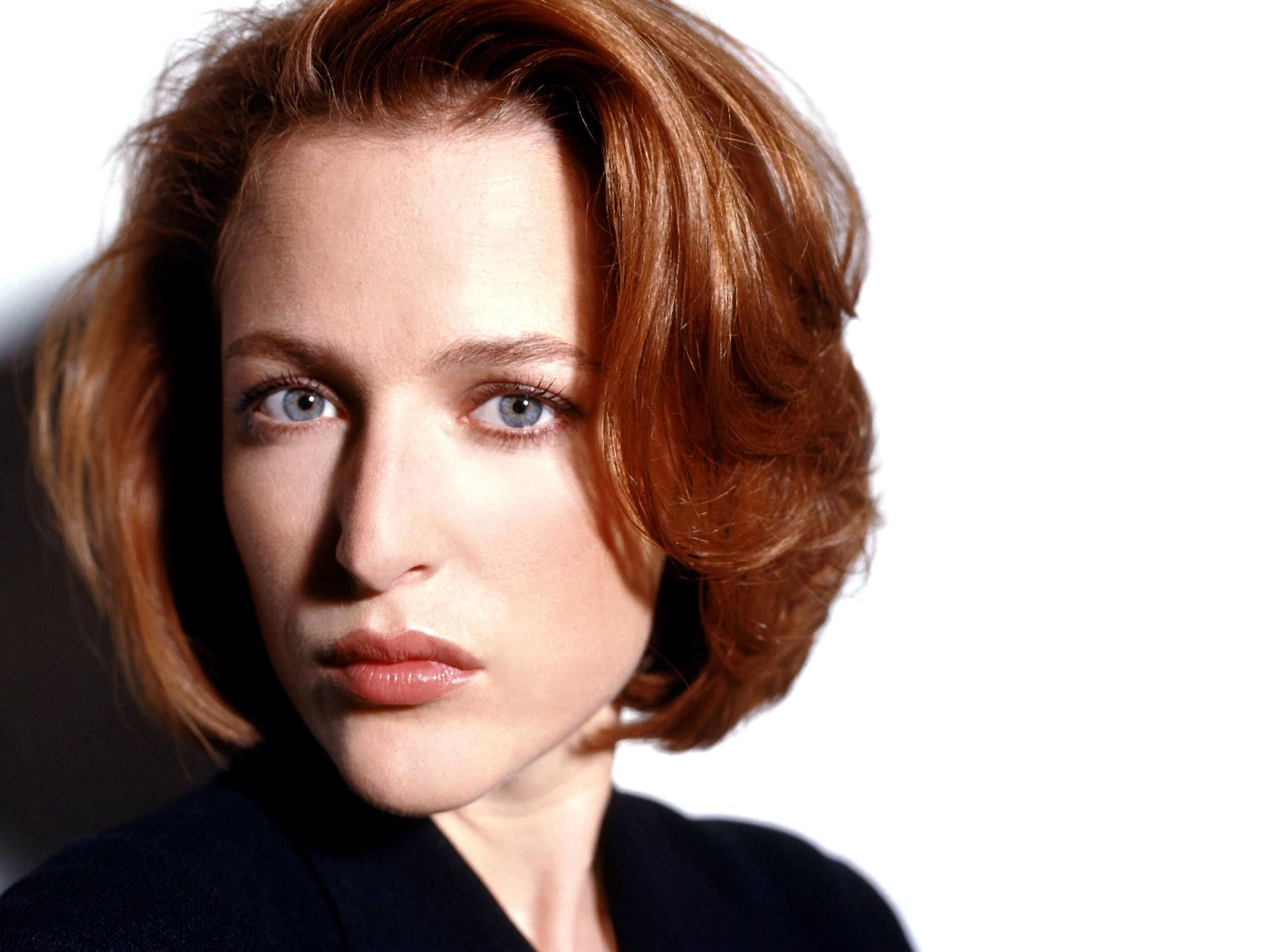 Sport Cars Wallpapers With Girls Gillian Anderson Wallpapers Hd Free Download