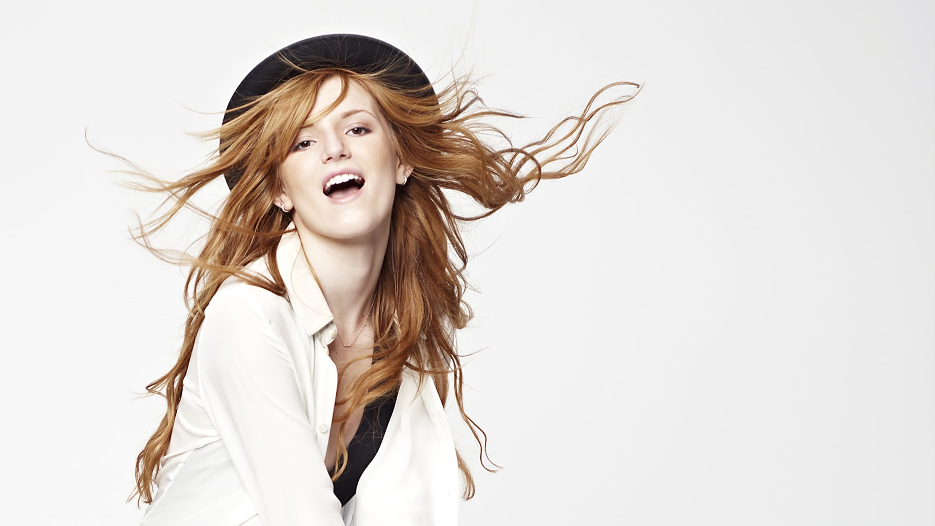 Awesome Cool Car Wallpapers Bella Thorne Hd Wallpapers Free Download