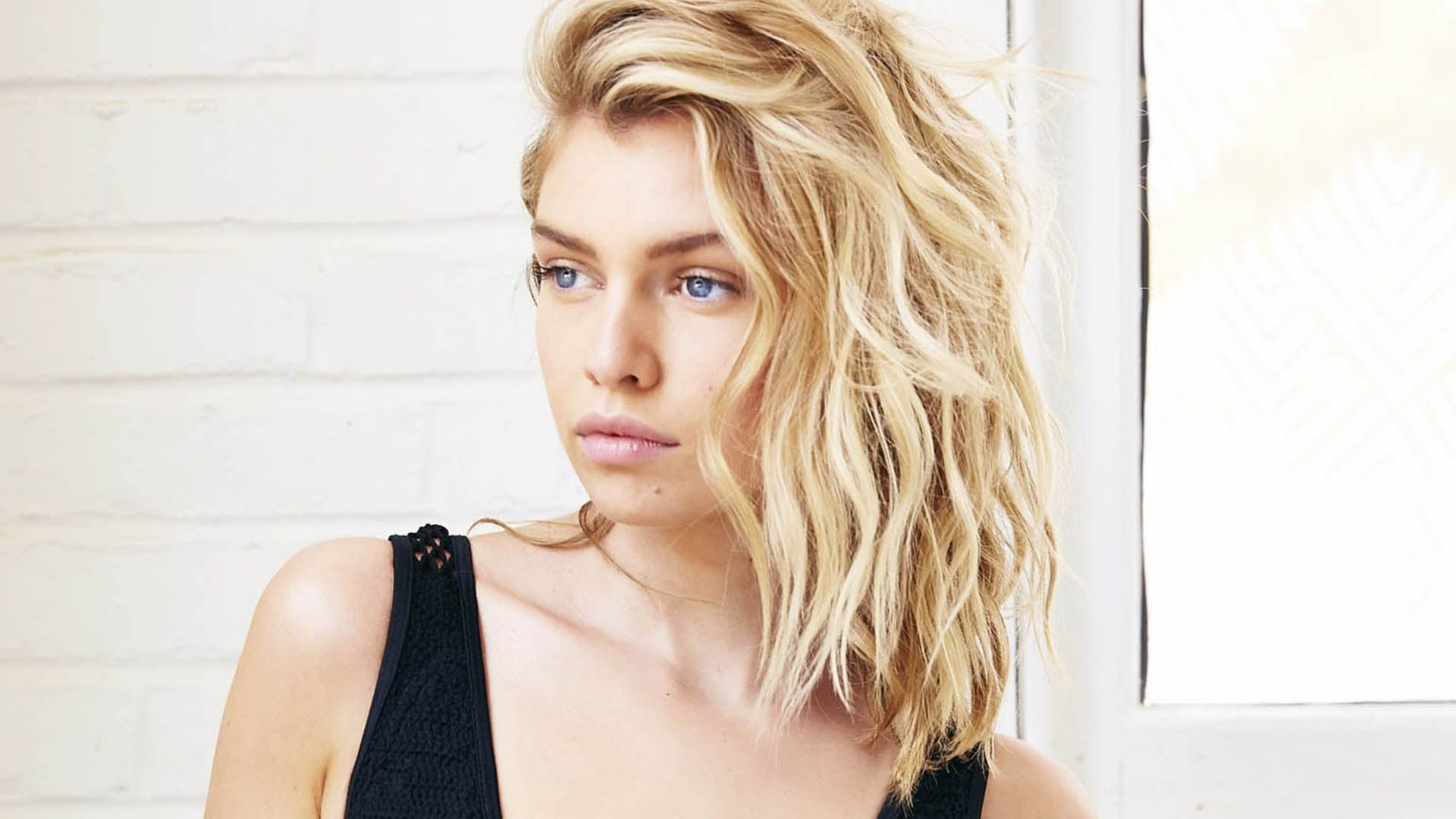 Download Car Wallpapers For Laptop Stella Maxwell Hd Wallpapers High Quality