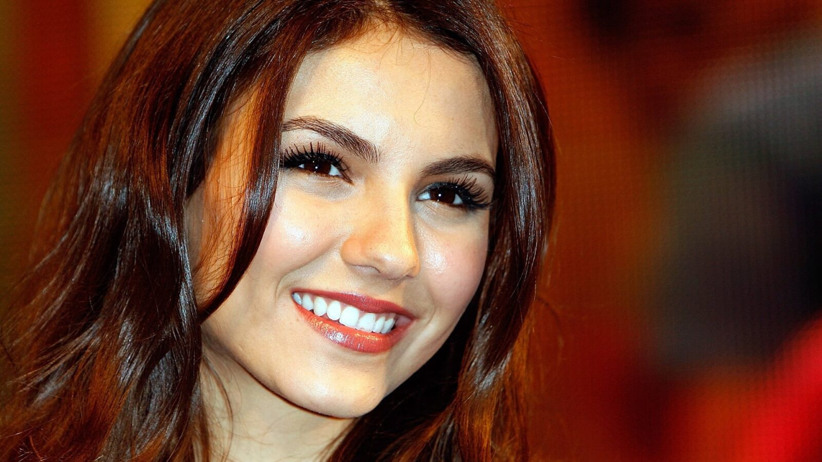 New Iphone Victoria Justice Hd Wallpapers High Quality