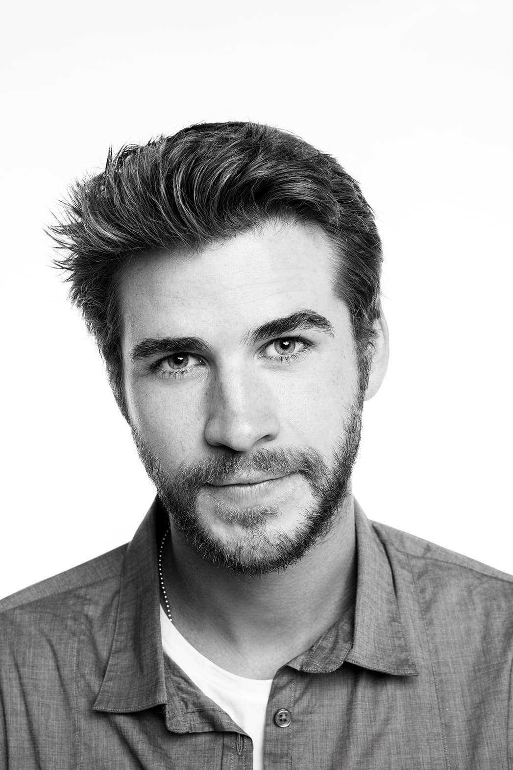 High Quality Car Pictures And Car Wallpapers 14 Liam Hemsworth Wallpapers High Quality Resolution Download