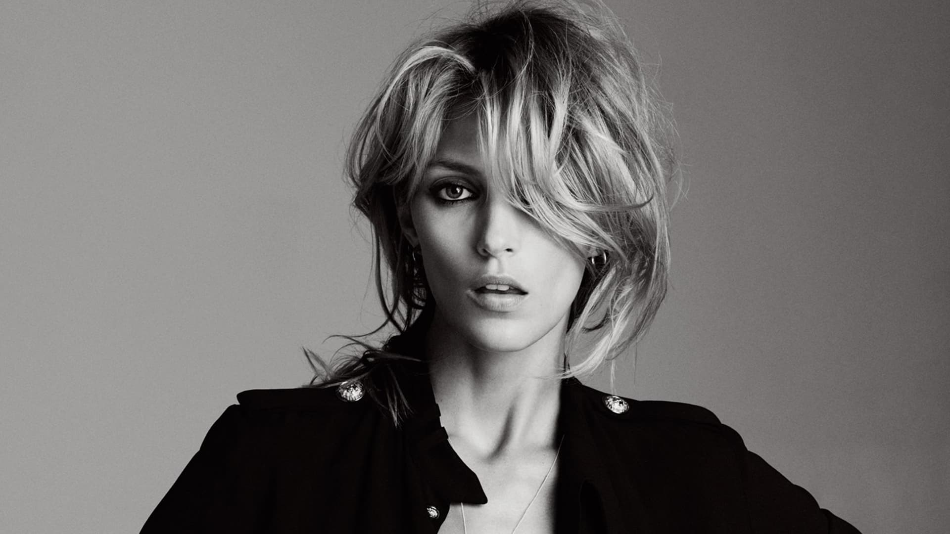 New Iphone Anja Rubik Wallpapers Hd High Quality Resolution Download