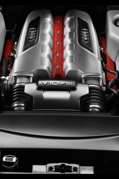 640x960 2010 Audi R8 GT engine Iphone 4 wallpaper