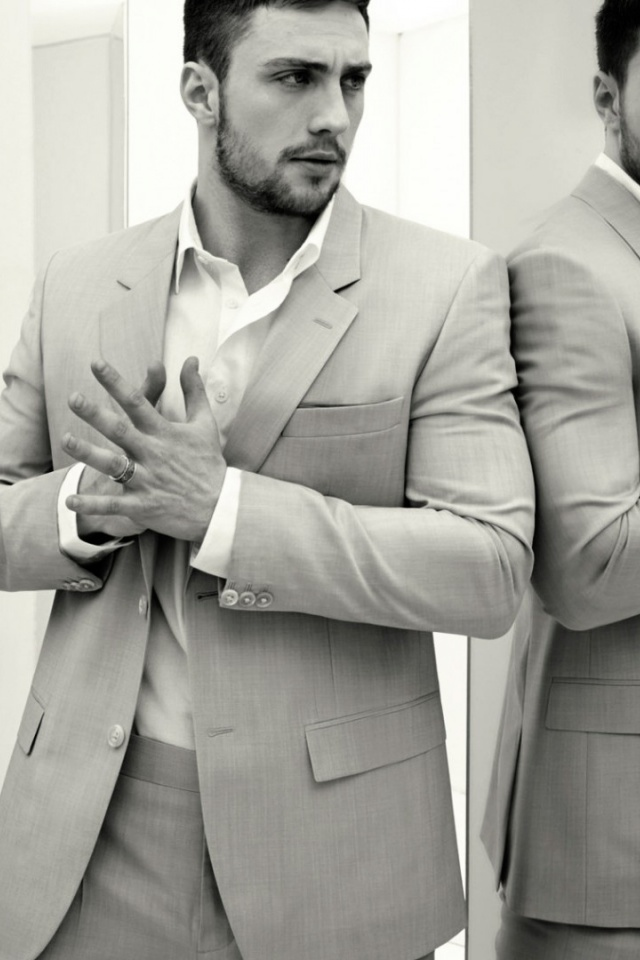 640x960 Hd Wallpapers 640x960 Aaron Taylor Johnson Light Grey Suit Iphone 4