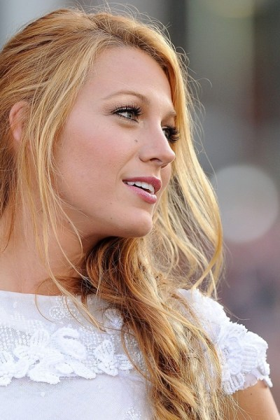 640x960 Blake Lively Iphone 4 wallpaper