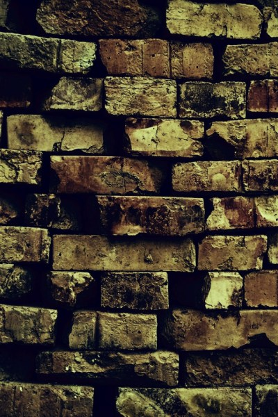 640x960 Brick Wall Pattern Decay Ruin Iphone 4 wallpaper